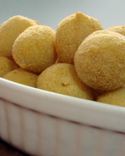 bolinha de queijo salgados fritos congelados twin peaks salgados